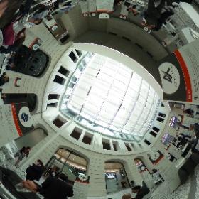 A Palazzo Italia #SMAU #Berlin networking con @gallinarogloria e @noooagency