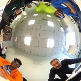 Showing @fatmangoes @elizabethadina some 360 photography tips. #theta360