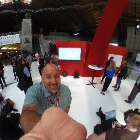 Learning about some new tools at the VR, AR, and MR meet and greet at #edu17 #theta360