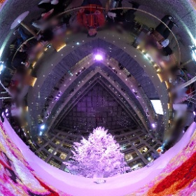 Merry Christmas 今や国民的行事?なのでクリスマスらしい絵を投稿。 本年度のツリー映像がないので2016年KITTEのツリーです。 #snowcrystal3d #theta360
