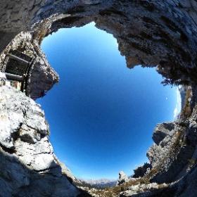 Cinque Torri (2250 m) - sentieri di guerra #theta360 #theta360it