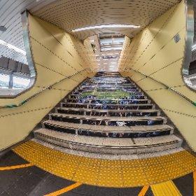 万博記念公園駅 Osaka Monorail #thetaz1 #rawplus #theta360