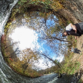 #Minnehahafalls park #tinyworld pano on a beautiful #fall day in #minnesota @minnesota.usa #theta360 #theta360