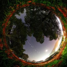 曼珠沙華と宇宙ステーションISS 2017年9月25日撮影 #theta360
