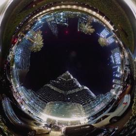 Beneath the @burjkhalifa #360 @theta360official @lovindubai #lovindubai #mydubai #repostdxb #theta360 #theta360uk