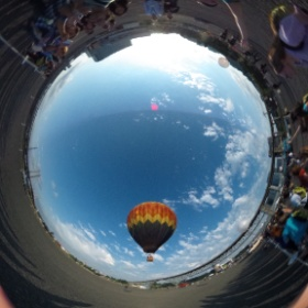 パーティ会場に熱気球が! #WDS2014 #theta360