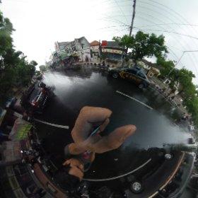 kota Blitar siang ini.. mayan sejuk karena hujan.. cek foto 360° nya dengan klik link ini. #theta360