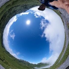 宮之浦岳から永田岳へ向かう途中   屋久島を自由に旅する GREEN MOUNT  #theta360