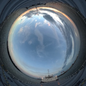 名古屋港外アンカーしました。23:00シフト。 #theta360