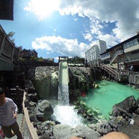 一度は行ってみたいと思ってた草津温泉に朝思いついて行ってみた。かなりよかった。今度は泊まりで行ってみたい。 #theta360