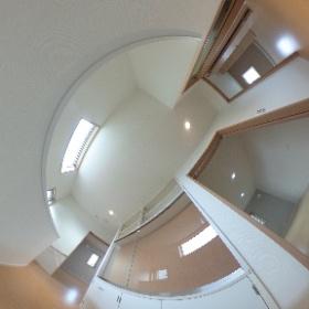 2階ホールの見せる隠せる収納棚 那珂川町茶色タイルの家 #福建住宅株式会社 #theta360