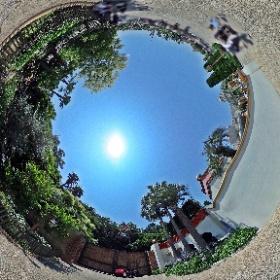 「第8テーマポート」へ通じる道になると思われる、アラビアンコーストとロストリバーデルタの間の道(その2)。…「夢の通り道」となるのでしょうか。 #TDR全天球画像