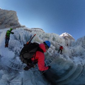 Come along and cross this ladder on the Khumbu icefall with me! #theta360 #theta360uk