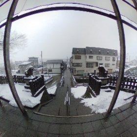 いやあ雪降ってますよ。無事ミッションをこなせるか不安になってきた。 #theta360