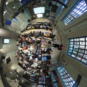 El fantástico @CampusMadrid lleno de educadores y Developers para aprender juntos en 360 grados #devfestedu RT #theta360