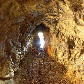 美初第三水晶洞窟 #theta360
