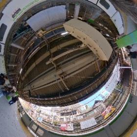 原宿駅の、大正と令和の狭間でシータ。手持ちHDR機能万歳ですわ。 #原宿駅 #theta360