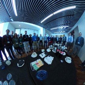 Foto de familia de la clase de hoy donde hemos hablado del caso de #innoBBaacion en @EDEMempresarios gran grupo ;-) #theta360