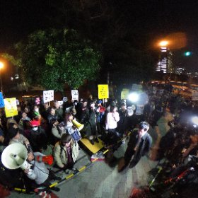 首相官邸前抗議フロントライン #全天球パノラマ なう。SEALDsが蘇った。もうすぐ報道ステーション? #0312官邸前抗議 #全国で怒ってますけど何か