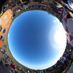 If you ever wondered what it takes to get 45 people (and a surf punk band) to the top of Africa for a Record Breaking concert, then take a look at this 360º picture. 45 people. 15 countries. One band. 17 guides. 300+ porters. #Kiimanjaro #SYATT2017
