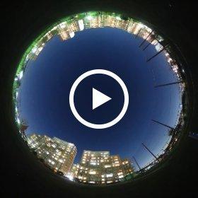 ISS日本上空通過 2015/12/05 photo by Yamamoto Katsuya  ・THETA S発売から間もない2015/12/05 夕方のISS可視。横浜市で撮影。 ・テストのため2台同時撮影を行っていたのでTHETAの映像にもう一台のTHETAが写っています。