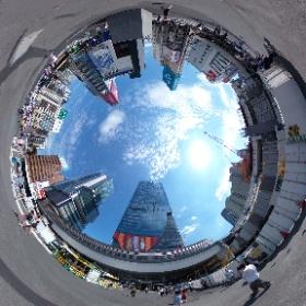 2021/07/23 PM1:58 渋谷スクランブルスクエアビル前にて(THETA V)