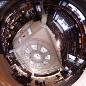 Spot the camera operator! More from #VR/360 #shotframing tests at @ThePortico. I'm in love with this space.