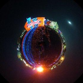 DKライブ@宇土市役所跡地 本日はリハーサル上映:11月1日(水) 19時~20時  明日は本番です。 開催場所:宇土市役所本庁跡地 開催日時:11月2日(木)日没~21時 デジタル掛軸   長谷川章  のデジタルアート #theta360