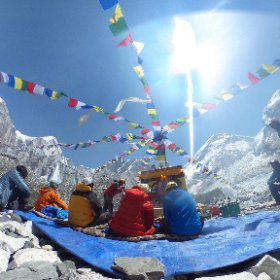 Take a look at the beautiful puja ceremony for our #everest ascent. Khumbu icefall on the right. #theta360 #theta360uk