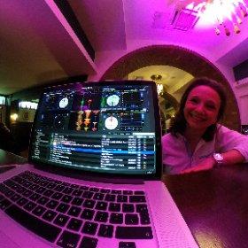 Party day cu cel mai bun Deejay! ;) DJ Vlad Catusanu Si cea mai tare echipa foto-video. Nu dam nume... :)) #theta360