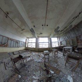 軍艦島小中学校の教室。  長崎市に特別の許可をもらって上陸しています。 #theta360