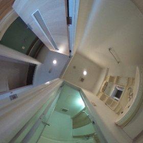 浴室、洗面所。廊下にも収納スペース。