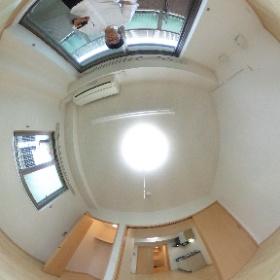 世田谷区玉堤にあります「メゾンT・Rブリーズ」の1DKマンションの洋室パノラマ写真です。多摩川が近く自然が楽しめます。http://www.futabafudousan.com #theta360