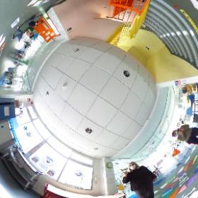 Alumnos del Programa Estrella SEK, del grupo 2, haciendo fotografía 360º #theta360