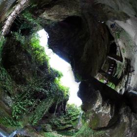 Grotte del Caglieron, in località Breda di Fregona, provincia di Treviso. #theta360 #theta360it