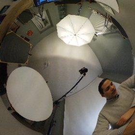 """Foto scattata nel corso della registrazione dell'episodio """"Fotocamere 360°: Ricoh Theta S"""" su www.playerdue.com"""