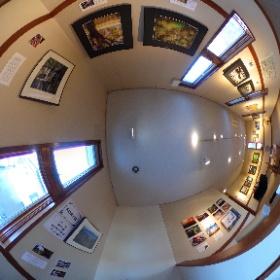 長野県安曇野市穂高有明にあるギャラリーレクランにて写真展「十人十色 15の色」第2期を開催中です♪  こちらは第五室で展示中の鬼頭宏和さんの作品です。  開催場所:ブレ・ノワール併設ギャラリーレクラン       長野県安曇野市穂高有明7686-1  開催期間:2019年1月24日〜2月4日まで(火、水はお休み)  開館時間:10時〜16時30分、2月4日は14時まで #theta360