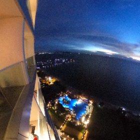 パタヤ・ジョムティエンビーチにあるモーベンピックサイアムホテルの30階からの夜景です☆ #thai #pattaya #movenpick #hotel #theta360