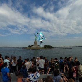 自由の女神🗽と電子の歌姫🎤 #miku360  #theta360