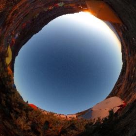 紅葉の木曽駒ケ岳 頂上テント場の日の出 #theta360