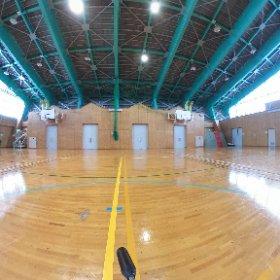 尼崎市立美方高原自然の家 多目的ホール(体育館)