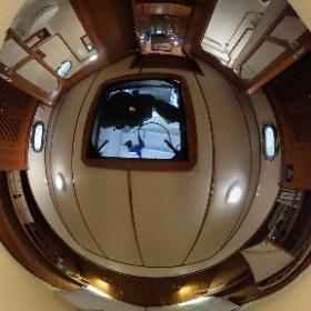 37' Mariner Seville Master Stateroom #theta360