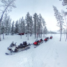 Riding a snow mobile in #luosto #lapland #finland #theta360
