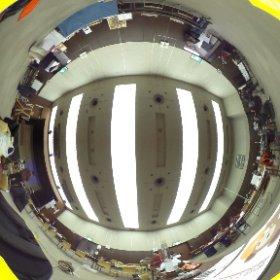 設営中の伊勢ギークフェア会場の全天球写。あと1時間で開園です。 #igfaire