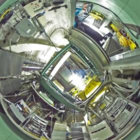 カセグレン観測装置待機室 / Instrument Standby Flange (Date: 2014/2/5. Photo by Dr. Hideaki Fujiwara, Public Information Officer/Scientist.)