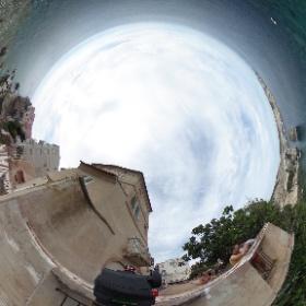 Bonifacio - het stadje op de rand van de kliffen #theta360