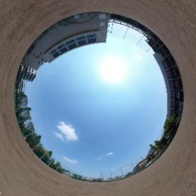 広々とした野球場です。部活動の他、体育の授業でも使用されています。
