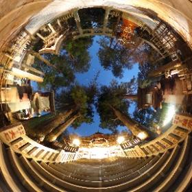 夜の三峯神社(本殿)の360°写真 #theta360