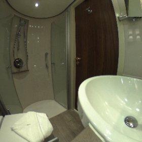 Salle de bain dans le bateau MS Jane Austen