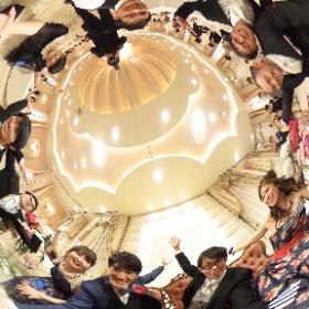 ip様「幸せサークル」 新郎新婦と一緒に仲間で円を作り、その時間を共有。幸せの繋がり。 #theta360